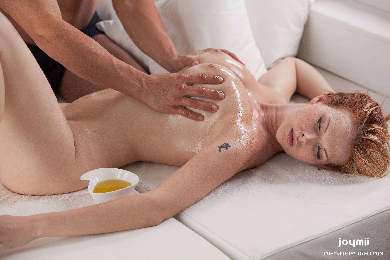Пришли девушки на массаж с продолжением 21 фотография