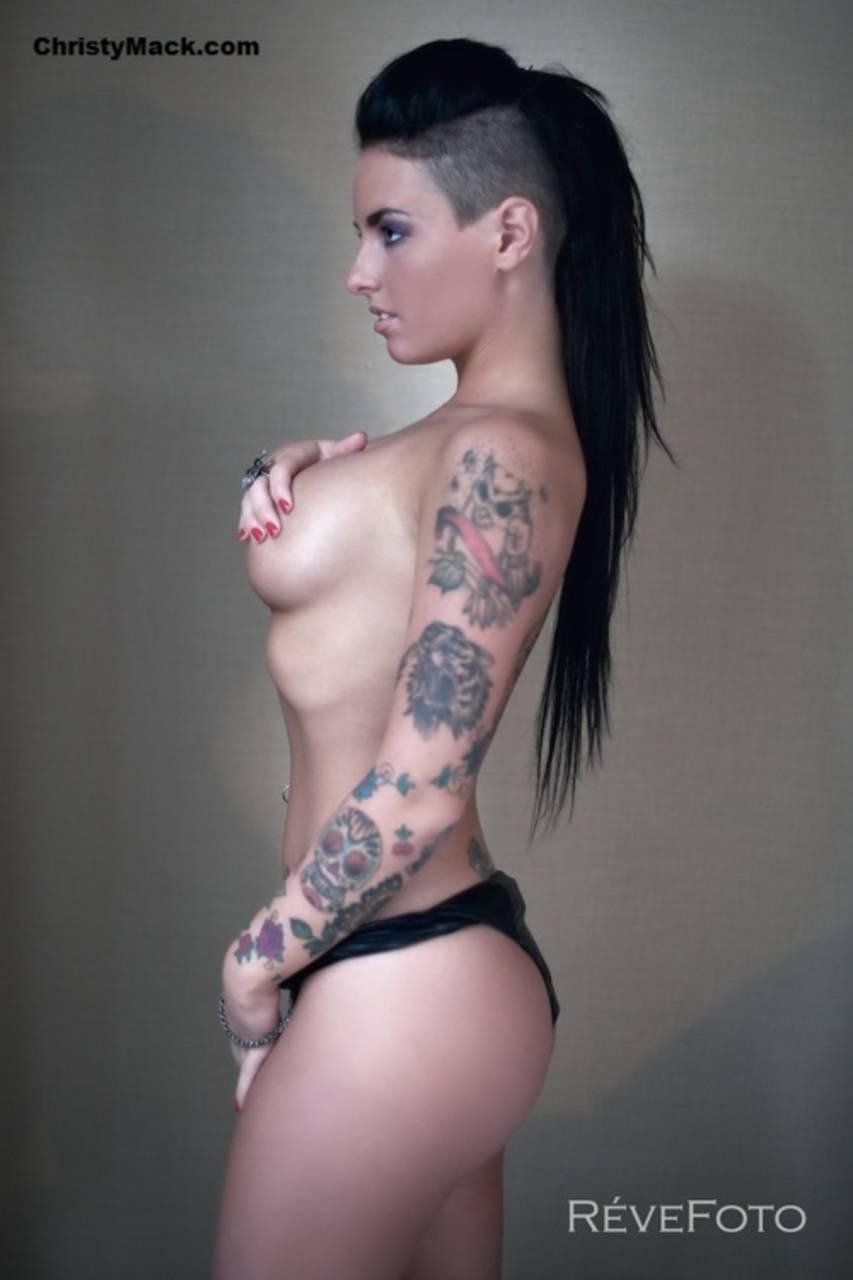 Фото порно звезд с татуировками 13 фотография