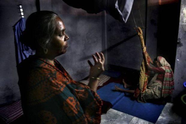 Poród w slumsach Bangladeszu 6