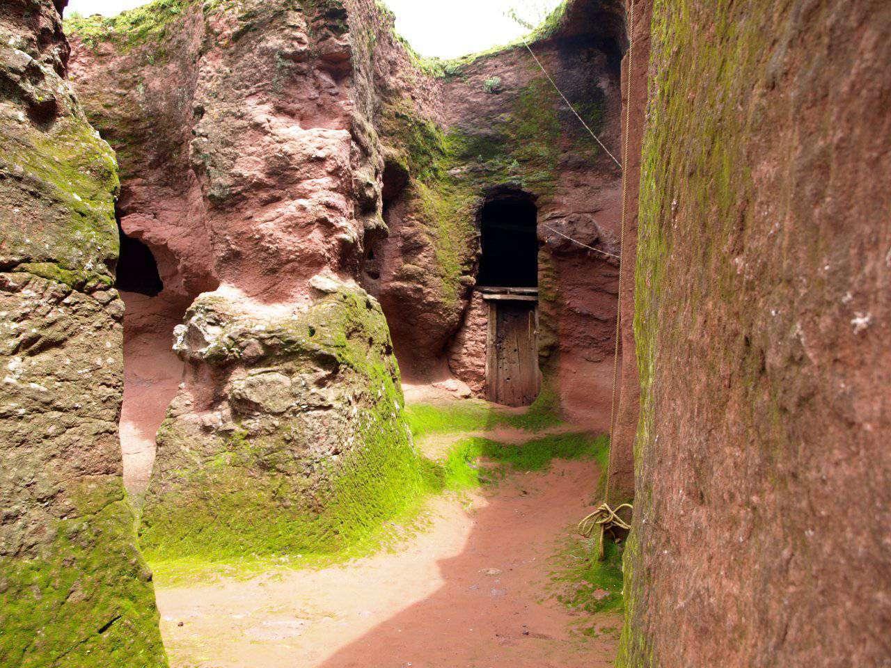 Kościoły skalne w Lalibeli 11