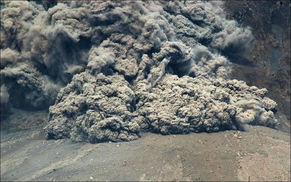 Erupcja wulkanu Sinabung 24