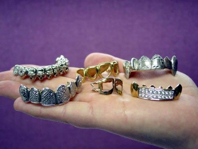 Biżuteria na zębach 21
