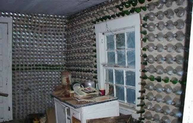 Dom zbudowany z butelek 7