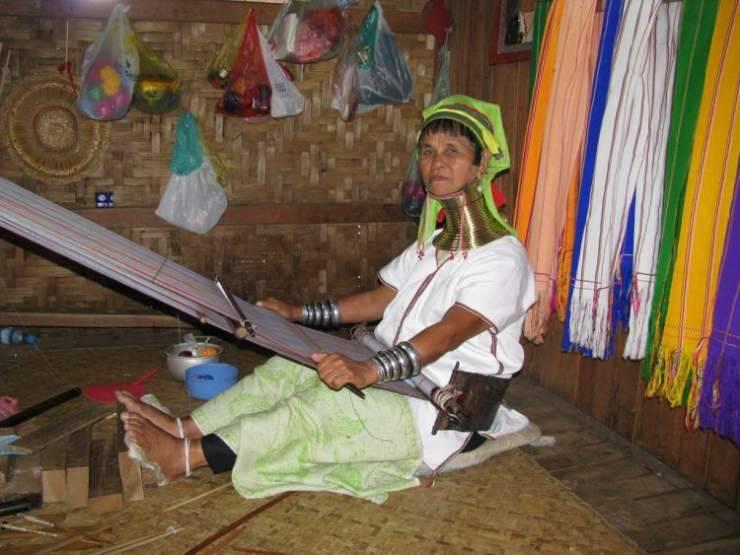Długie szyje kobiet z plemienia Padaung 34