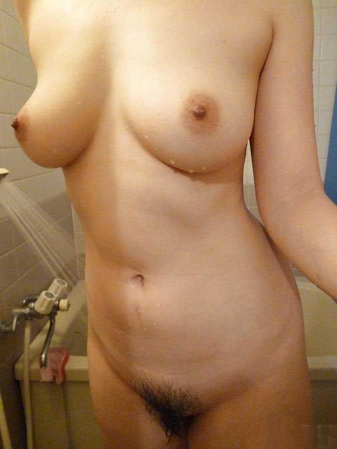 ★★剛交到的D乳女友-立刻來分享她的裸照!★★