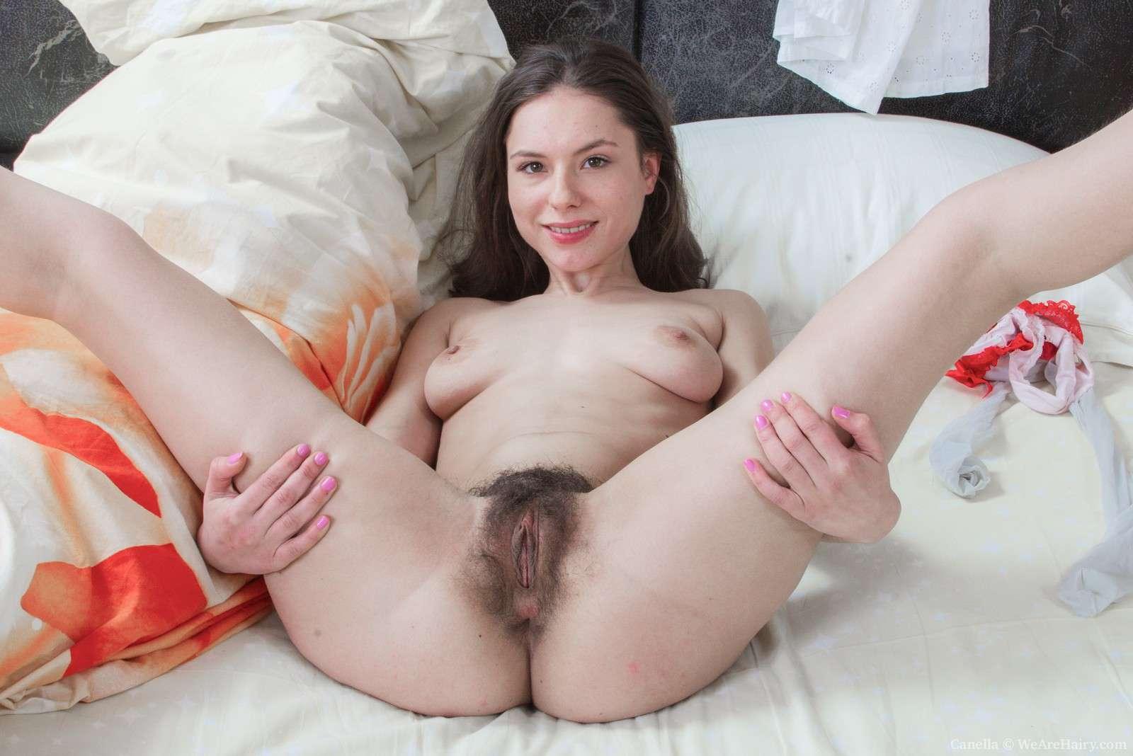 Kristen davis vagina painting