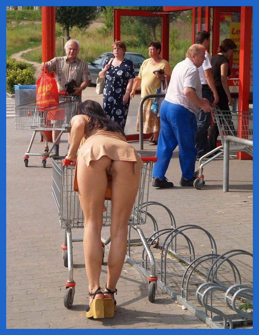 Big Ass Upskirt No Panties