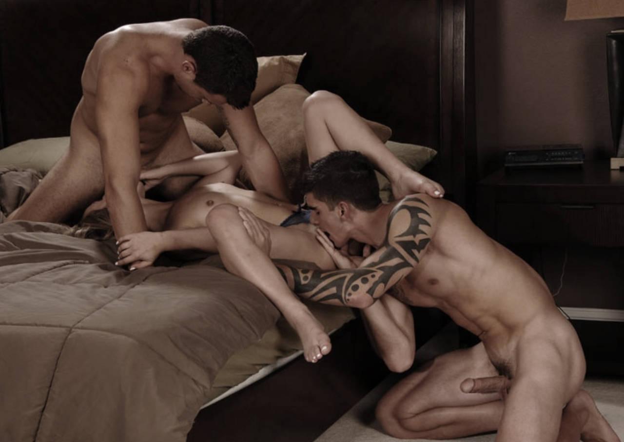 Секс Порно Втроем С Другом