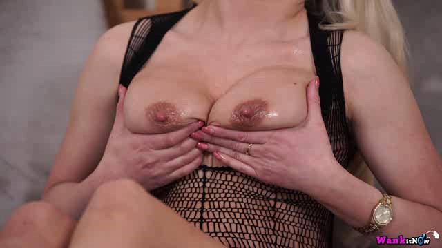 WankItNow 18 06 20 Ashley Jay My Oiled Up Tits XXX