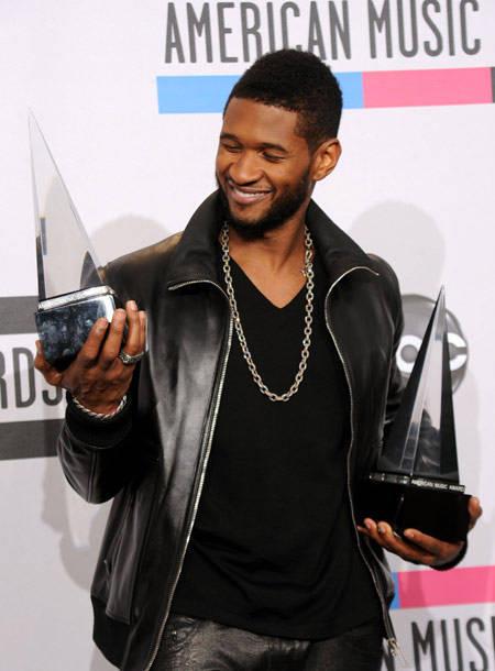 7043753015ddefb2c5abb864a9089ff194a2dbc Foto Eksklusif Juara American Music Awards 2010